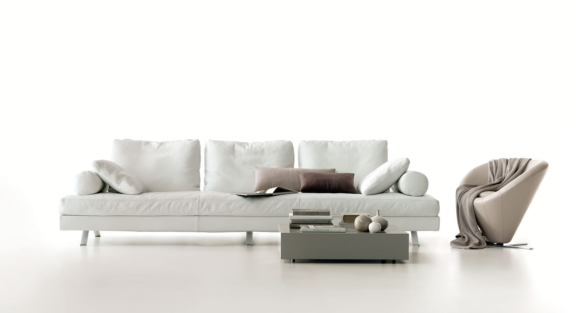 Divani misure accessori e divano letto angolare with for Misure divani